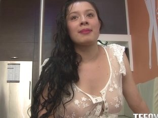 Valeria Rios in Bubblebath Blowjobs