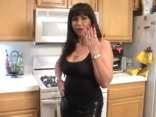 Latina Mature is talking about her sexy long red nails