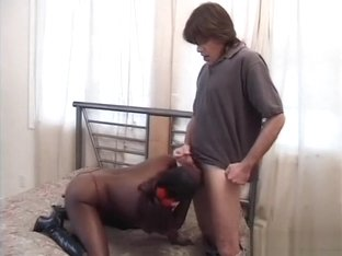 A filthy black hooker offers up her tight butthole to pay the rent
