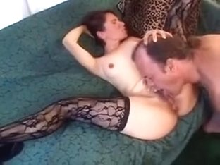 Brunette mature bitch gets nailed
