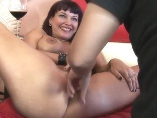 Hot MILF Carrie Ann has cum dripping down her mouth