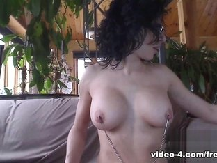 Livecam Morning Bianca Licks Her Armpits - KinkyFrenchies