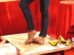 Cock trample yellow heels And nylon footjob