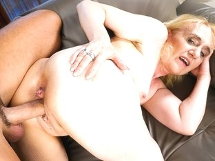 Nanney in Grandma Loves Muscles - 21Sextreme