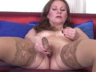 Mother with amazing saggy tits feeding pussy