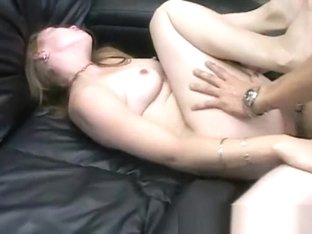 Amateur Girlfriend First Time On Camera Fucking