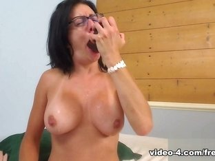 Livecam Black Dildo From Ass To Mouth - KinkyFrenchies