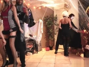 Victoria punishes her cheating man with Halloween banging