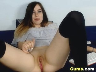 Lovely Chick Loves Making Her Pussy Wet