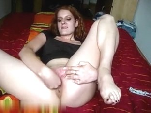Nice young amateur girl girl fingering her sweet tight wet holes