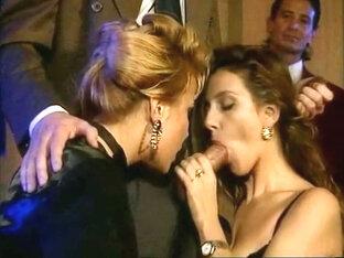 Natalia Z en Lucia Lapiedra in een trio