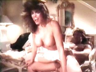 Tori Welles lesbijki porno jak golisz swoją cipkę