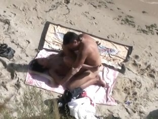 Sexy minx sucks and fucks on a beach