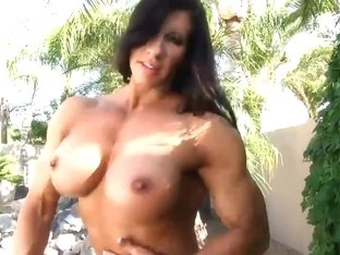 Aziani Steel Angela Salvagno flexes in petite bikini