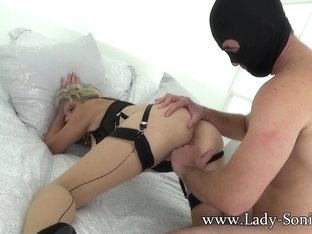 British Sonia lets one of her biggest fans fuck her MILF pussy - LadySonia