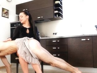 Under-Feet Video: Mistres Nicole