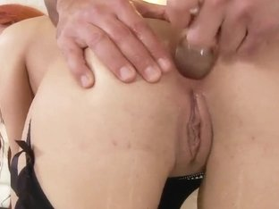 Liliana gives her pussy and ass hole for stretching